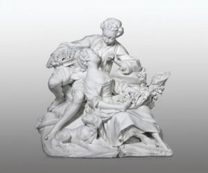 Jean-Jacques Bachelier d'après François Boucher, Les Mangeurs de Raisin, vers 1752 - 1772, biscuit de porcelaine tendre, 23,5 x 24,5 x 20 cm, Cité de la céramique, Musée national de céramique.