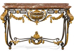 console Transition en fer forgé doré avec plateau en marbre rouge des Pyrénées, fin XVIIIe siècle, 88 x 137 x 51 cm.